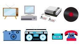 Ensemble de vieille rétro technologie de hippie de vintage, l'électronique : ordinateur, enregistreur audio, console de jeu, cass Images stock