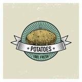 Ensemble de vintage de pomme de terre de labels, d'emblèmes ou de logo pour la nourriture vegeterian, légumes tirés par la main o Photographie stock
