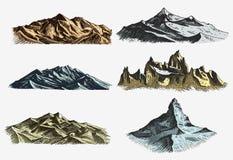 Ensemble de vintage, vieille gravure avec versions de drawh de crêtes de montagnes différentes de style disponible de croquis et  Images libres de droits