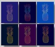 Ensemble des affiches d'ananas, illustration de vecteur Fruit tropical exotique tiré par la main dans le contour Images libres de droits