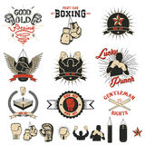Ensemble des labels de club de boxe, des emblèmes et de la conception elements2 Photos stock