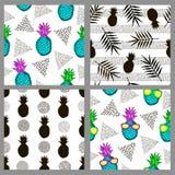 Ensemble des modèles sans couture avec des ananas Image stock