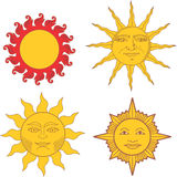 Ensemble des soleils héraldiques et de signes solaires Images stock