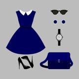 Ensemble des vêtements des femmes à la mode Équipement de robe et d'accessoires de femme Photographie stock libre de droits