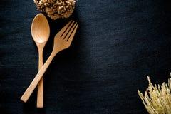 Ensemble en bois de cuillère de baguettes image libre de droits