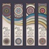 Ensemble ethnique ornemental coloré de bannière Calibres avec les éléments onduleux et le mandala tribal Photographie stock
