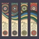 Ensemble ethnique ornemental coloré de bannière Calibres avec les éléments onduleux et le mandala tribal Photo libre de droits