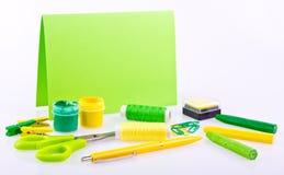 Ensemble fabriqué à la main dans des tons verts et jaunes Image libre de droits