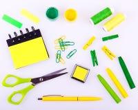 Ensemble fabriqué à la main dans des tons verts et jaunes Photos stock