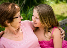 Ensemble - grand-mère avec la petite-fille Photographie stock libre de droits
