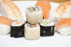 Ensemble japonais savoureux de sushi Images libres de droits
