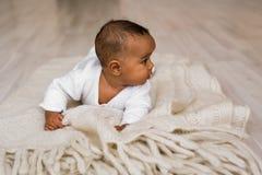 Ensemble mignon de vecteur de bébé garçon d'Afro-américain Images libres de droits