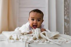 Ensemble mignon de vecteur de bébé garçon d'Afro-américain Photo stock
