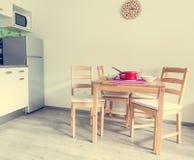 Ensemble moderne et minimalistic de cuisine Photographie stock