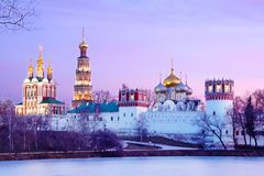 Ensemble Moskaus, Russland des Novodevichy-Klosters im Winter lizenzfreies stockbild