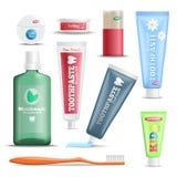 Ensemble réaliste de produits de soins dentaires Photo stock