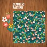 Ensemble sans couture de modèle de fleur Milieux floraux minuscules d'été sur les planches en bois Photo libre de droits