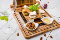 Ensemble savoureux de casse-croûte de fromage Photographie stock