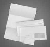 Ensemble stationnaire d'affaires. enveloppe, feuille de papier et affaires c Photos stock