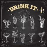 Ensemble tiré par la main de croquis de cocktails alcooliques Illustration de vecteur illustration libre de droits