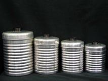 Ensemble toujours de la vie de rétros boîtes métalliques de cuisine image stock
