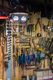 Ensembles d'outils pour la réparation dans le garage Photo stock