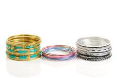 Ensembles de bracelet sur le blanc Photo libre de droits