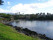 Ensenada cerca de la línea de la playa de la bahía de Napili Imagen de archivo