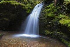 Ensenada de la cascada Fotografía de archivo libre de regalías