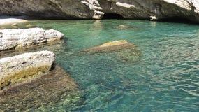 Ensenada en el mar Mediterráneo Imagen de archivo