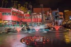 Ensenada Las Vegas de Senor Frogs Treasure Island Pirates en la noche Fotos de archivo
