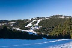 Ensillada de la montaña en invierno foto de archivo libre de regalías
