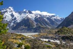 Ensoleillé, bruit de pas d'automne sur la voie de vallée de talonneur, Nouvelle-Zélande photos libres de droits