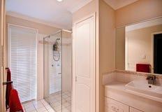 ensuite ванной комнаты Стоковое Изображение