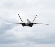 Entête d'avion de combat vers l'appareil-photo images libres de droits