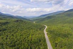Entalhe de Pinkham e montanha branca Rd, NH, EUA fotos de stock royalty free