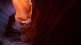 Entalhe a garganta no parque nacional de Escalante da escadaria grande, Utá, EUA As formações coloridas incomuns do arenito nos d imagem de stock royalty free