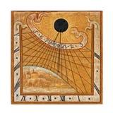 Entalhe medieval do sun-dial da parede Imagens de Stock Royalty Free