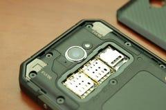 Entalhe para cartões duplos de SIM Close-up da foto Foto de Stock