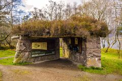 Entanceuithangbord die bergwegen tonen, bij het Natuurreservaat van Beinn Eighe dichtbij Kinlochleven in de Hooglanden van Schotl royalty-vrije stock foto