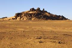 Entblößte und abgefressene Landschaft, Sahara-Wüste Stockfoto