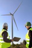 Entdeckung von Installationswindkraftanlagen lizenzfreie stockfotos