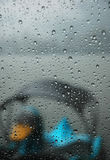 Ente im Regen lizenzfreies stockbild