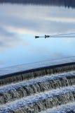 Enten auf Reservoir im frühen Dämmerungslicht Lizenzfreie Stockbilder