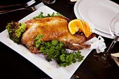 Entenbraten mit Orange und Petersilie Lizenzfreie Stockfotografie