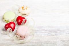 Entend et fond de valentine de bonbons Image libre de droits