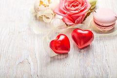 Entend et fond de valentine de bonbons Images libres de droits