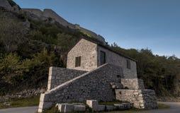 Enterance till den gamla fästningen i Knin Royaltyfria Bilder