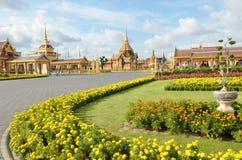 Enterrement royal thaï et temple à Bangkok photos stock