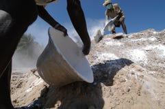Enterrements après le tsunami images libres de droits